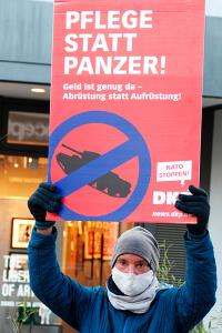 """Unser Beitrag zum bundesweiten dezentralen Aktionstag """"Abrüsten statt aufrüsten"""" 14"""